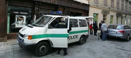 Policejní manévry před prvomájových pochodem krajně pravicové Dělnické strany v Brně
