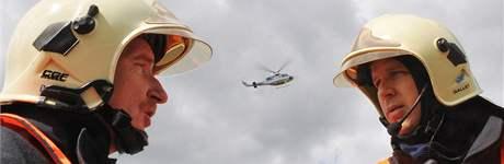 Taktické cvičení jihomoravského integrovaného záchranného systému - fingovaná nehoda autobusu, který se srazil s cisternou. Uskutečnilo se 7. května dopoledne nedaleko Bořitova.