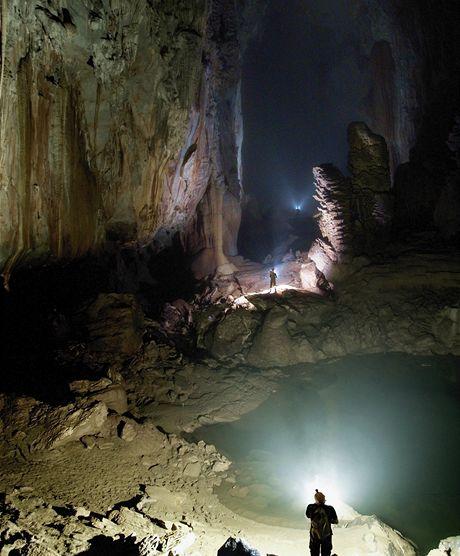 Son Doong Cave ve Vietnamu je největším jeskynním průchodem na světě