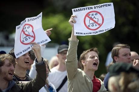 Proti neonacistům demonstrovalo v německém Kolíně nad Rýnem několik tisíc lidí (9. května 2009)