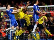 Chelsea - Barcelona: souboj p�ed barcelonskou br�nou.