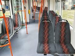 Interiér tramvaje 13T