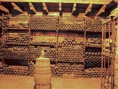 Letitý nános prachu sice na kvalitu vína žádný vliv nemá, ale k vytvoření patřičné image patří...