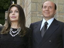 Silvio Berlusconi a jeho manželka Veronica Lario