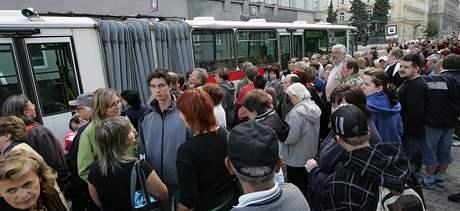 Muzejní noc v Brně - autobusy na moravském náměstí