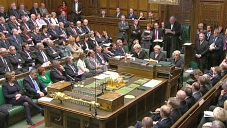 Britská dolní sněmovna při projednávání skandálu s výdaji (18. května 2009)
