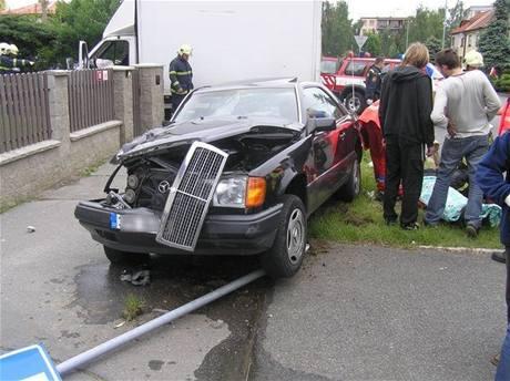 Nehoda v Plzni Lochotíně, při níž dodávka srazila nachodníku kočárek s batoletem (15.5.2009)