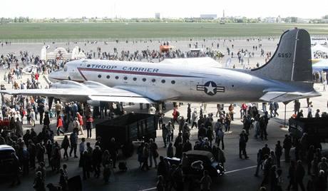Oslavy výročí konce berlínské blokády na letišti Tempelhof (12. května 2009)