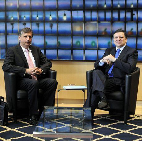Premiér Jan Fischer a předseda Evropské komise José Barroso při jednání v Bruselu (12. května 2009)