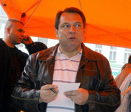 �éf �SSD Ji�í Paroubek na p�edvolebním mítinku v T�eboni (14. kv�tna 2009)