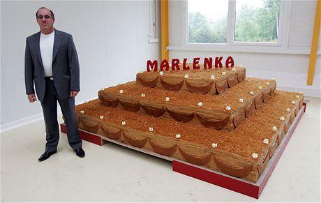 Gevorg Avetisyan, majitel firmy Miko vyrábějící medovník Marlenka, v novém provozu ve Frýdku-Místku (15. května 2009)