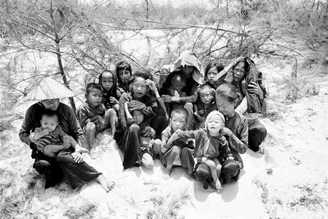 Snímek nizozemského fotografa Hugha Van Ese z americko-vietnamské války.