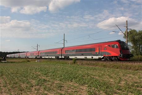 Railjet při testování na okruhu VUZ u Velimi