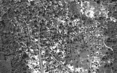 Satelitní snímky dokazují dělostřelecké ostřelování válečné zóny na severu Srí Lanky. (13. května 2009)