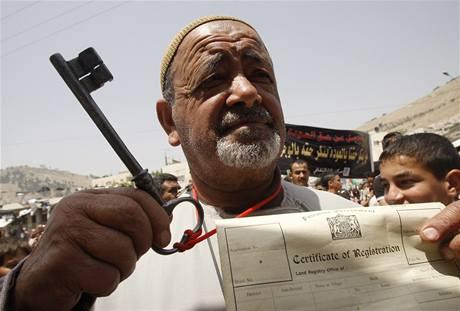 Palestinci si připomínají smuteční den Nakba, kdy byl vyhlášen vznik státu Izrael (14. květen 2009) foto: Reuters