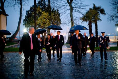 Obama se svým týmem na oficiální návštěvě Istanbulu