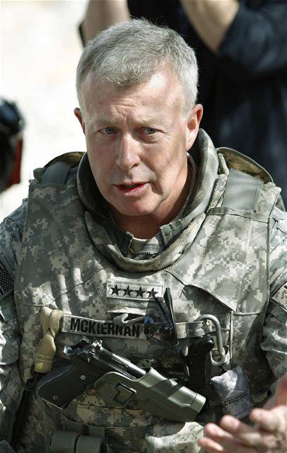 Generál David McKiernan