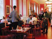 Café Louvre - chodíval sem Albert Einstein, Franz Kafka i bratři Čapkové.