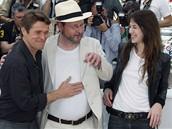 Cannes 2009 - režisér Lars Von Trier (uprostřed), Charlotte Gainsbourgová a Willem Dafoe