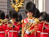 Londýn - výměna stráží před Buckinghamským palácem.