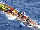Somálští piráti po nezdařeném útoku v Adenském zálivu