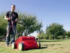 Za provzdušňovač trávníku dáte 480 až 960 Kč, záloha je 5000 Kč