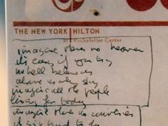 Z v�stavy John Lennon: Newyorsk� roky - kapesn�k z hotelu Hilton s textem p�sn� Imagine