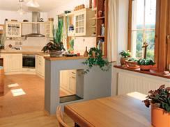 Rustikální kuchyně odpovídá interiéru domu