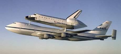 Převoz raketoplánu Atlantis na Floridu