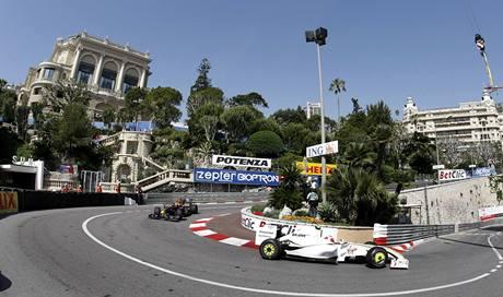 Velká cena Monaka, první trénink - Rubens Barrichello (vpředu).
