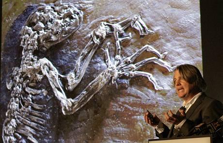 Dr. Jorn Hurum z univerzity v Oslu přednáší o 47 milionů let staré fosílii Ida (19. května 2009)