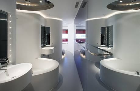 7. podlaží - koupelna od Rona Arada
