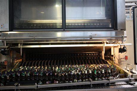 Mycí linka pivních lahví