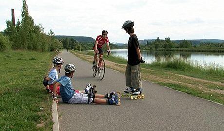 Na in-line/cyklostezkách je dobré dodržovat pravidla, jedno z nich je schválně si nepřekážet