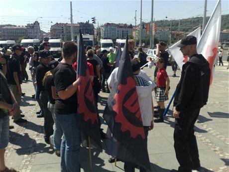 Příznivci Dělnické strany se sešli na Palackého náměstí.