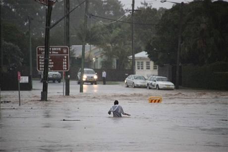 Východní pobřeží Austrálie sužují kvůli hustým lijákům záplavy (22. května 2009)