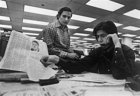 Novináři Bob Woodward a Carl Bernstein z listu Washington Post, kteří se proslavili rozkrytím aféry Watergate