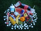 Cukr v potravinách - Cukr není jen ve zmrzlině, ale také v ovoci či zelenině.