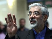Íránský opoziční prezidentský kandidát a stoupenec reforem Hosejn Músáví