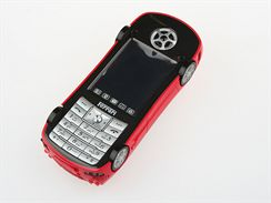 Auto-mobil ve stylu Ferrari