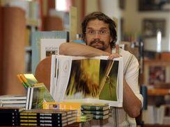 Dan B�rta je spoluautorem knihy V�ky �esk� republiky