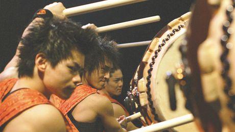 Po roce do Prahy zav�taj� japon�t� buben�ci Yamato