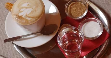 Cappuccino v Café Encounter