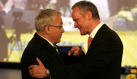 Cyril Svoboda a Jan Březina na vsetínském sjezdu KDU-ČSL (30. května 2009)