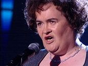 Susan Boyle ve finále talentované soutěže v Británii