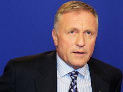 Předseda ODS Mirek Topolánek v Otázkách Václava Moravce. (31.5.2009)