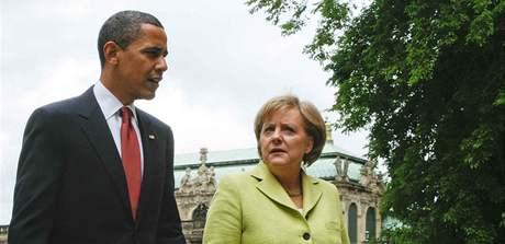 Americký prezident Barack Obama s německou kancléřkou Angelou Merkelovou v Drážďanech (5. června 2009)