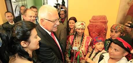 Prezident Václav Klaus s chotí Livií v Brně navštívil i zdejší Muzeum romské kultury