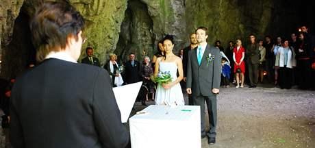 Svatba v jeskyni Kostelík v Moravském krasu