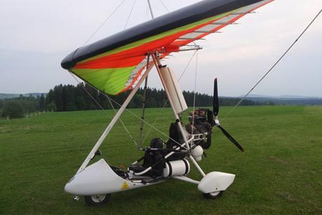 Motorové křídlo jako levnější mezikrok k